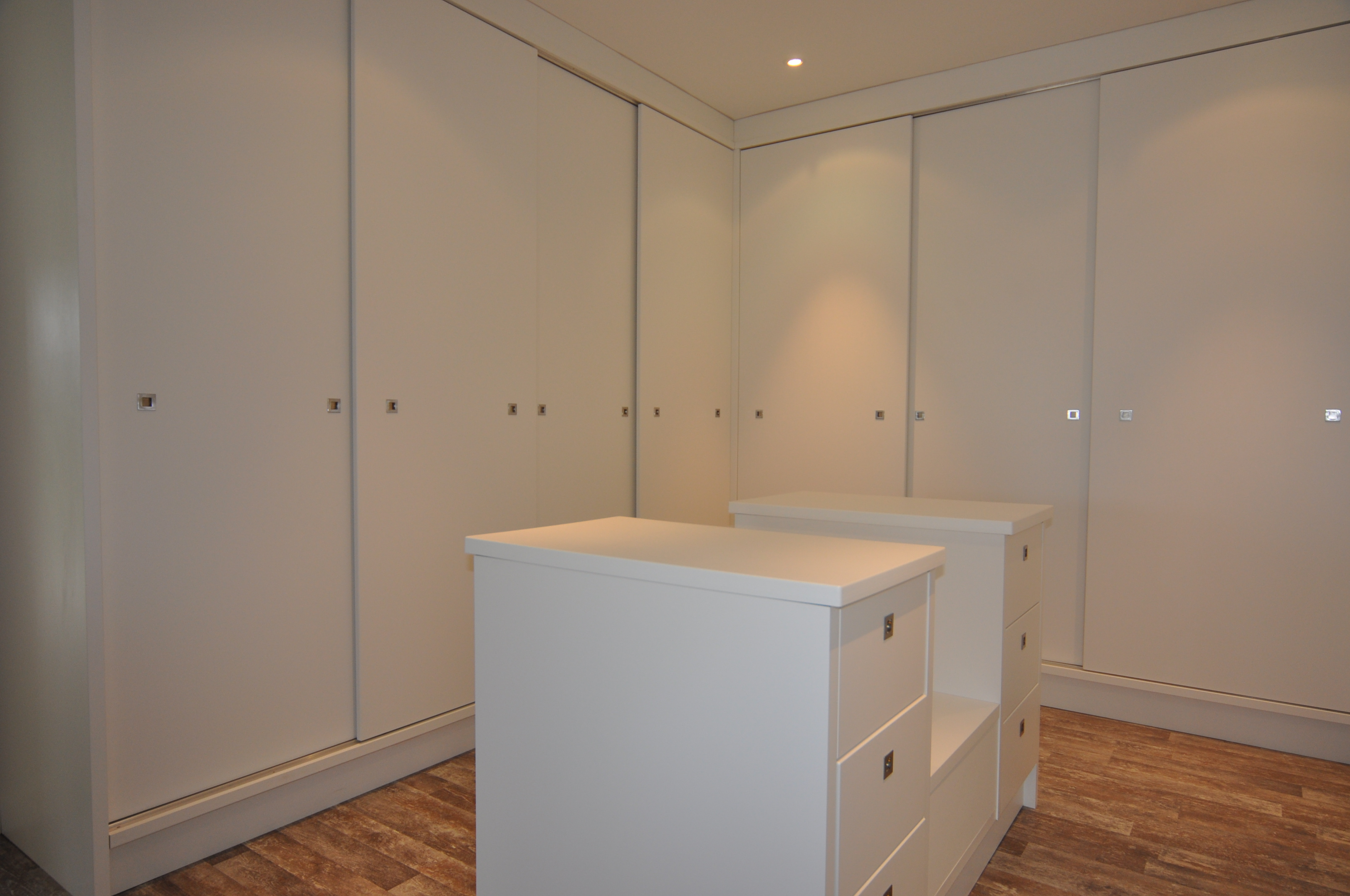 Built in cupboards and units green desert design for Built in cupboards designs